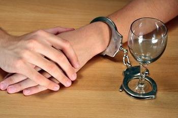 Лечение женского алкоголизма принудительно в