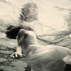 Сонник тонуть в воде во сне к чему снится тонуть в воде