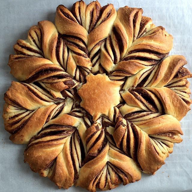 пирог цветок с нутеллой