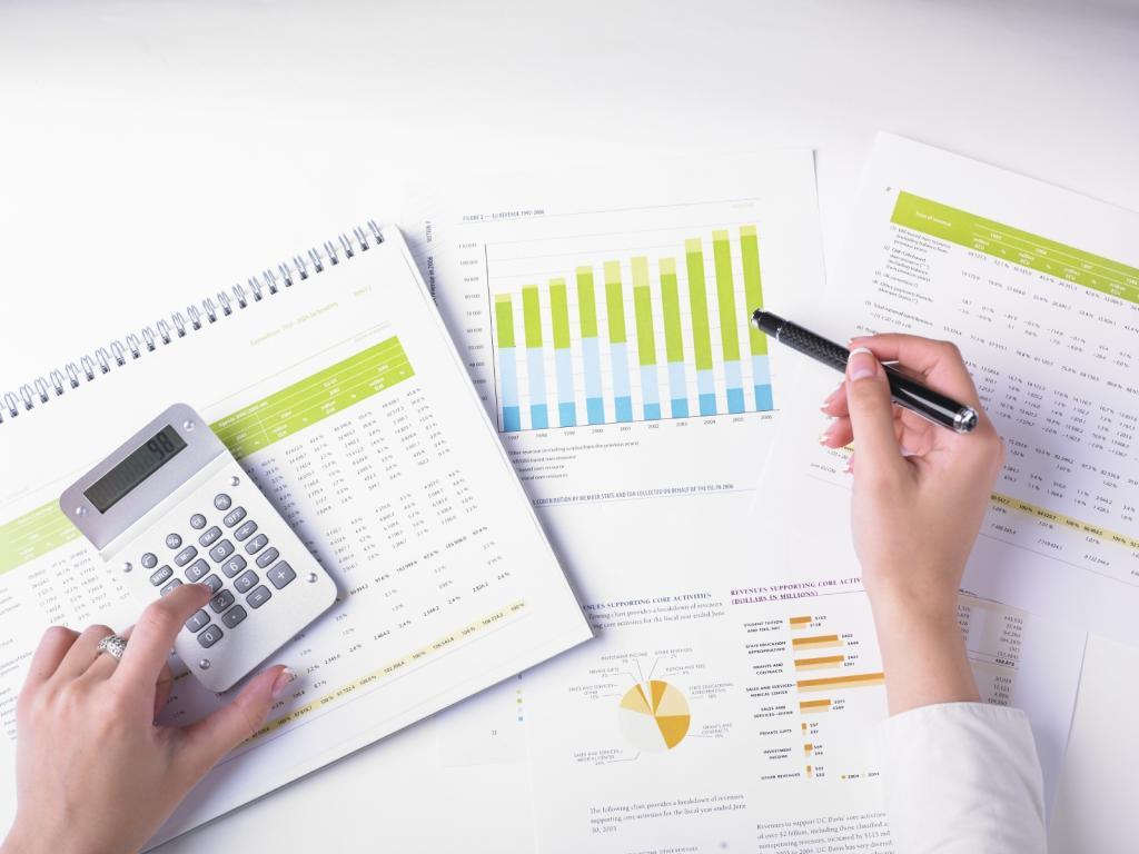Trade balance calculation