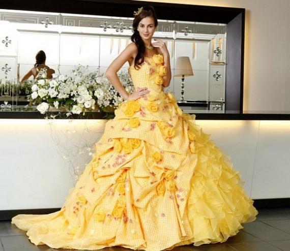 Жёлтое свадебное платье фото