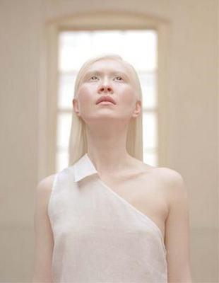 golie-lyudi-albinosi-foto