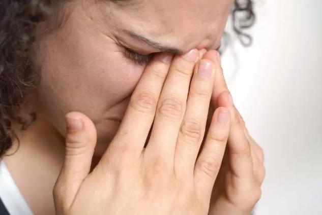 Аллергия на глазах: как лечить, эффективные способы и рекомендации