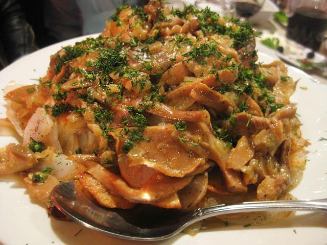 Грибы с картошкой на сковороде
