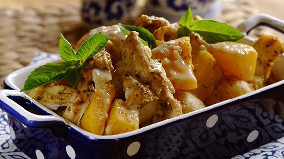 рецепт куски курицы в духовке с картошкой