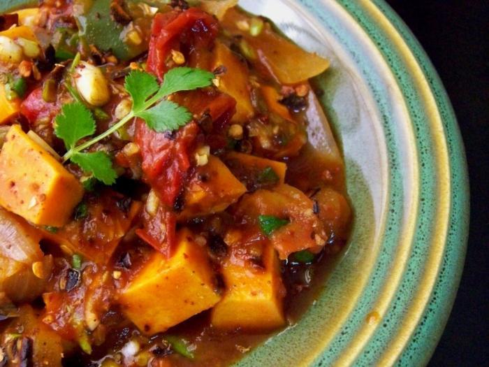 Как сделать овощное рагу в мультиварке с мясом