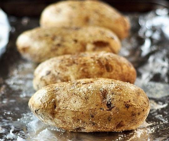 запечь картофель в мундире в духовке