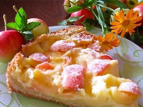 Смачный яблоковый пирог «Цветаевский»: рецепт изготовления