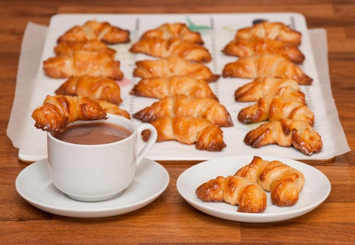 Рогалики и конвертики из творожного теста – кулинарный рецепт