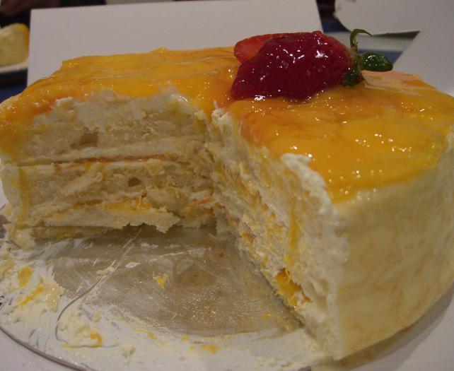 Испечь вкусный бисквитный торт в домашних условиях