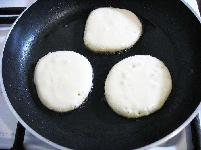 Оладьи на сметане пышные: рецепт приготовления