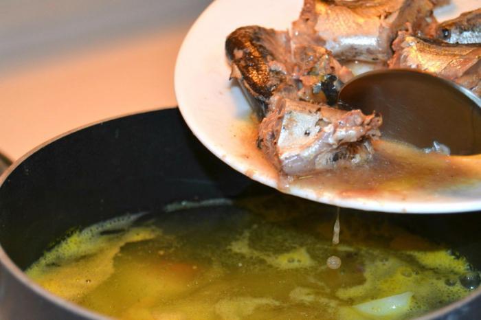 суп из рыбной консервы сардины