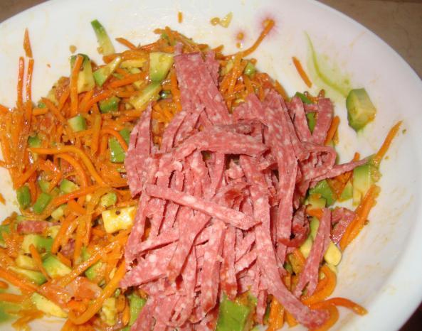 Салат колбаса сыр морковь кукуруза