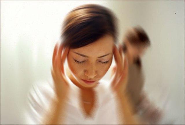 Закладывает уши кружится голова тошнит слабость