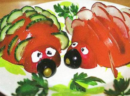 украшение из огурцов и помидоров