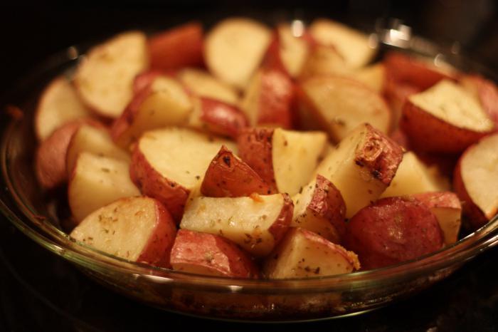 Сколько готовить жаркое в горшочках в духовке с мясом и картошкой