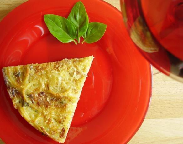 пирог с консервой и картошкой из жидкого теста