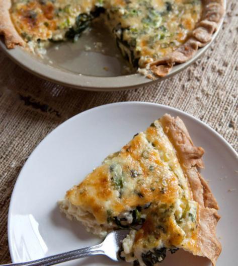заливной пирог с яйцом и зеленым луком в мультиварке