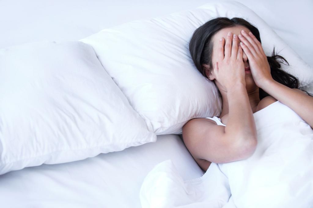 Приснилось, что выпадают волосы клоками: значение и толкование сна