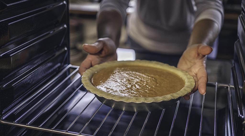 температура выпекания рыбного пирога в духовке