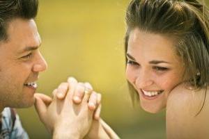 Как дать понять мужчине, что нежные слова любимой девушке нужно говорить часто?