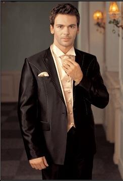 Как одеваются на свадьбу гости? Советы для приглашенных