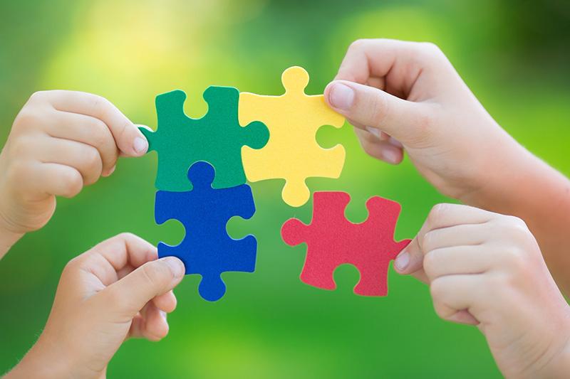 Приобретенный аутизм: причины у взрослых и детей