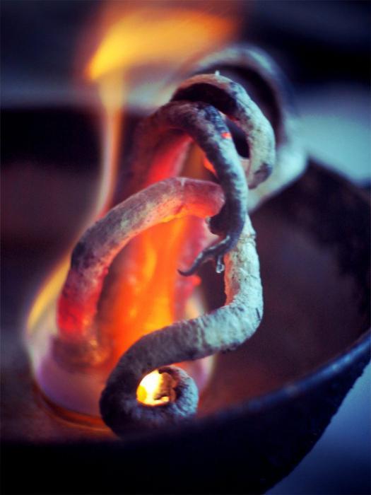 фараонова змея из глюканата кальция