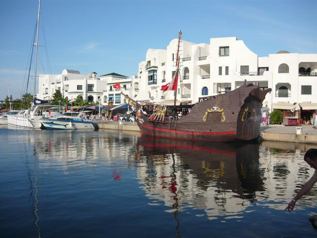 Порт Эль-Кантауи, Тунис