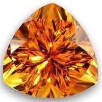 топаз драгоценный или полудрагоценный камень