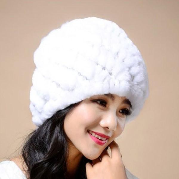 норковая вязаная шапка с помпоном