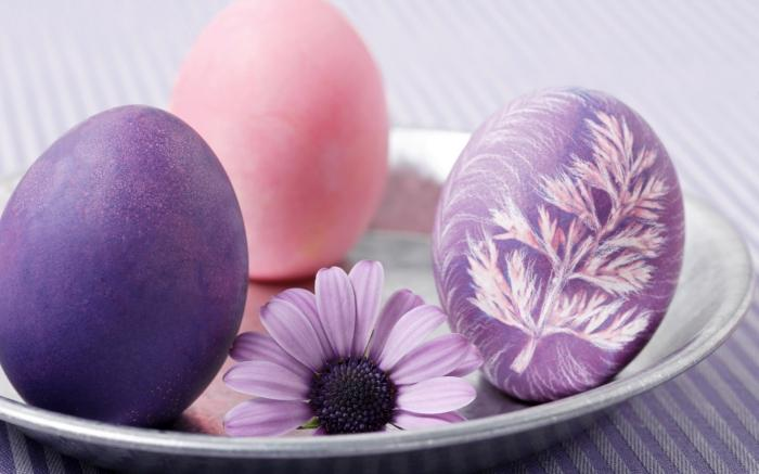 Широкоформатные обои Пурпурные яйца, Фиолетово-розовые яйца.