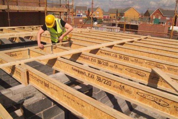 Пол 2 этажа на деревянных балках