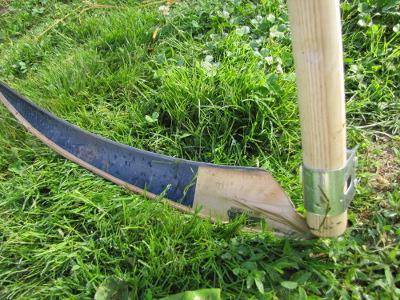 коса ручная для травы фото