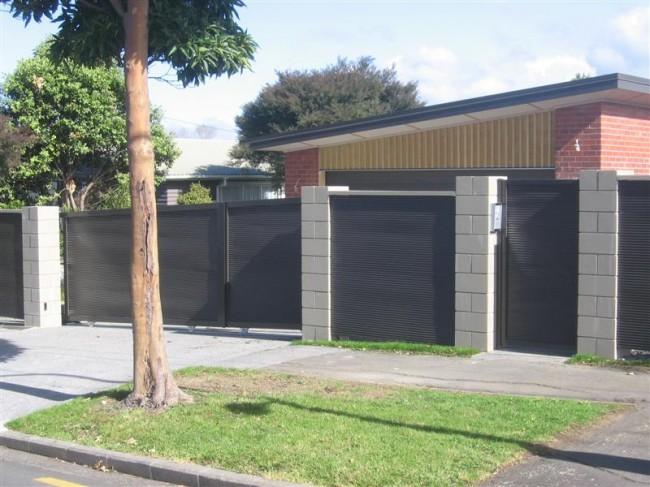 Забор на загородном участке