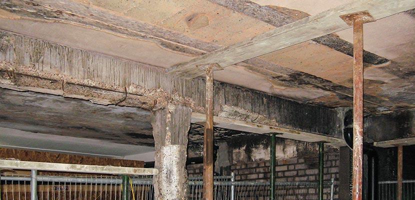 Monolithic beam-free ceilings