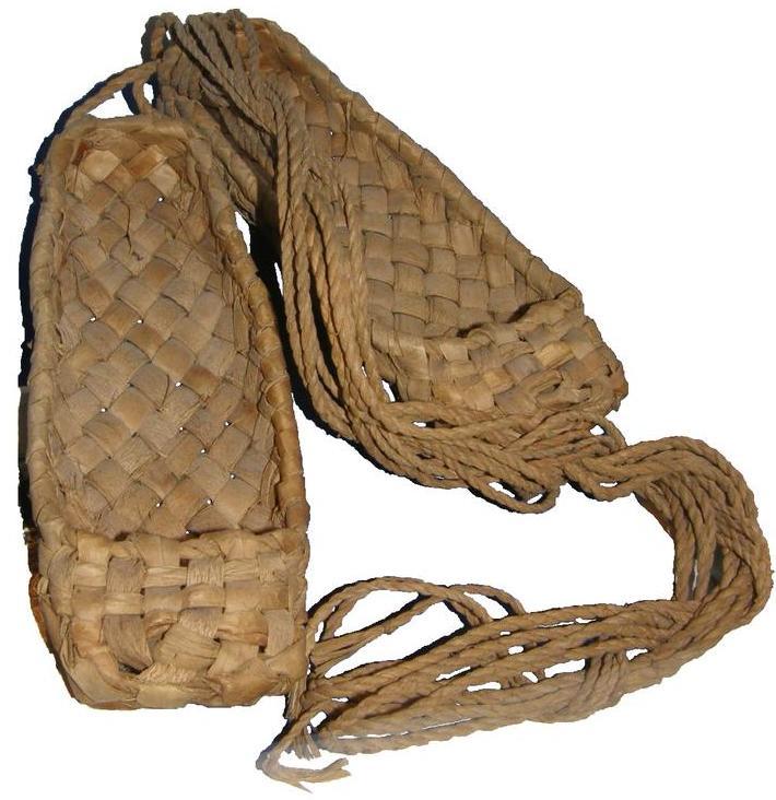 Плетение лаптей: материал, инструмент и техника выполнения