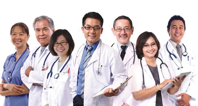 При заболеваниях позвоночника многие специалисты могут оказать помощь