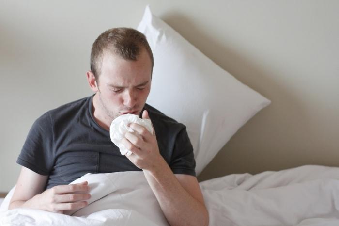 Симтом пенистая белая слюна редкий кашель боль в спине