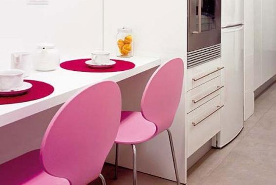 маленький обеденный стол на кухню