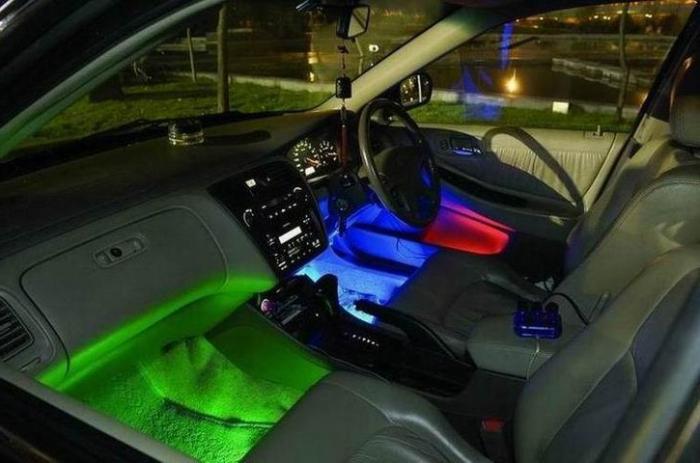 Подсветка ног в автомобили своими руками