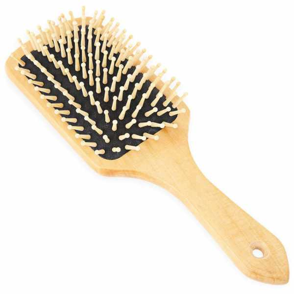 The perfect brush for combing the scarf