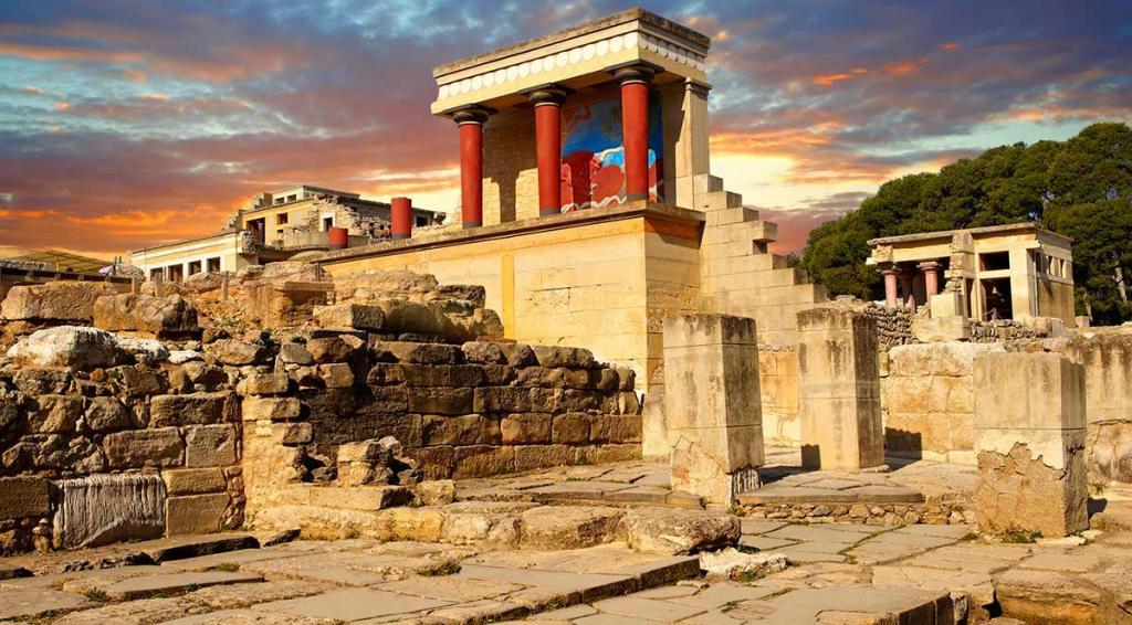 Чем отличалась критская цивилизация от микенской?