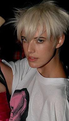 Агнесс Дейн — икона британского молодежного стиля