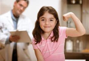 С какого возраста у девочек начинаются выделения 15