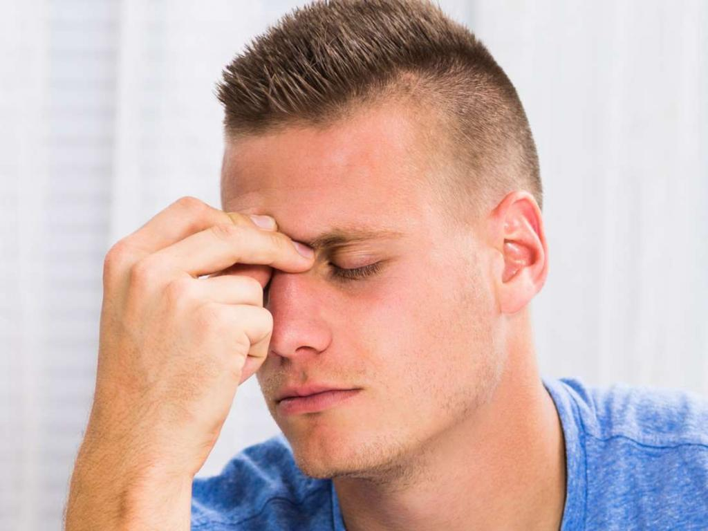 Болит переносица и лоб насморка нет