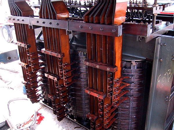 Промышленный трансформатор