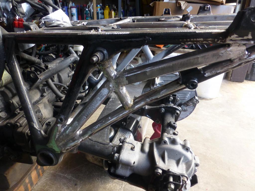 Старая мотоциклетная рама