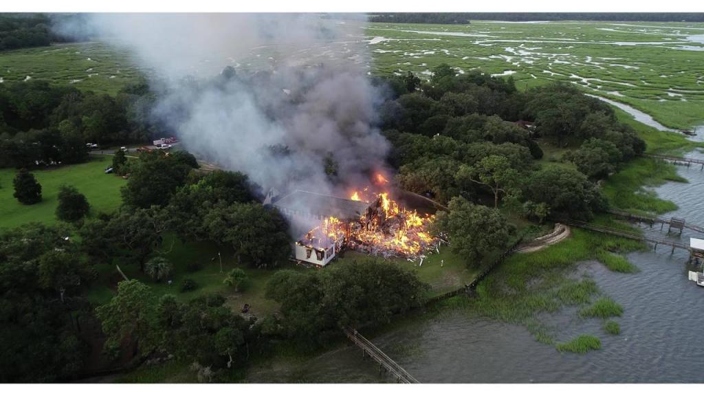 Пожар в особняке