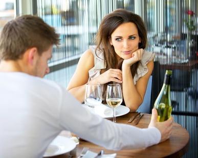 Как привлекать внимание парней: советы девушкам